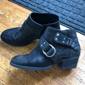 Sonoma Black Distressed Ankle Booties - Size 7M